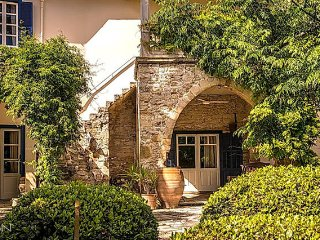 3 bedroom Villa with Internet Access in Anoyira - Anoyira vacation rentals