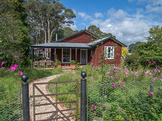 Bowerbird Cottage boutique pet friendly accomodation in Bundanoon - Bundanoon vacation rentals