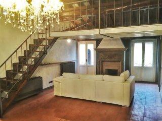 Cozy 2 bedroom Apartment in Bergamo with Deck - Bergamo vacation rentals