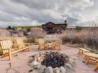 Gorgeous riverfront house w/ private hot tub & mountain views - close to ski! - Breckenridge vacation rentals