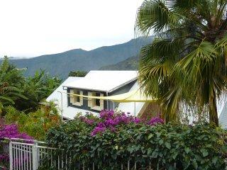 Cozy 2 bedroom Cilaos Gite with Internet Access - Cilaos vacation rentals