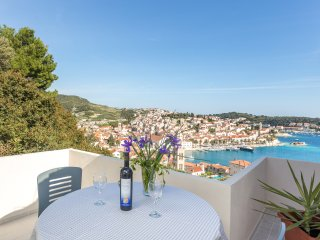 Lovely Apartment in Hvar with A/C, sleeps 2 - Hvar vacation rentals