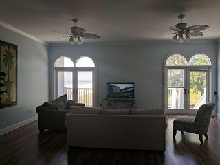 Beautiful Beachview Terrace, Unit 2! - Gulfport vacation rentals
