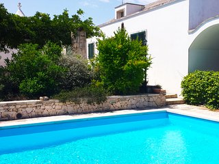 Trullo Loretta Martina with private pool, wifi in the stunning countryside - Martina Franca vacation rentals