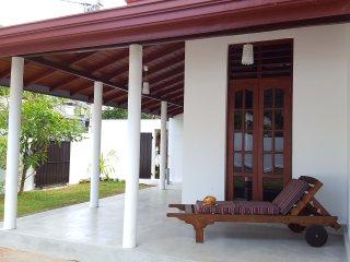 2 bedroom Bed and Breakfast with Internet Access in Wadduwa - Wadduwa vacation rentals