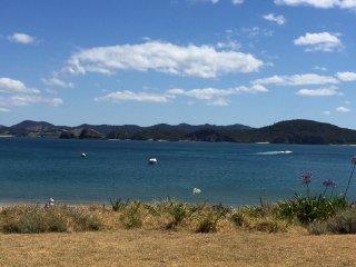 Spectacular beach front, Whangaumu Bay. Sleeps 5 - Tutukaka vacation rentals