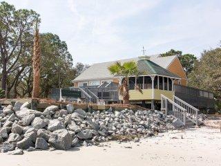 Vacation rentals in Saint Helena Island
