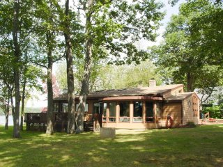 Comfortable House with Television and Central Heating - Belmont vacation rentals
