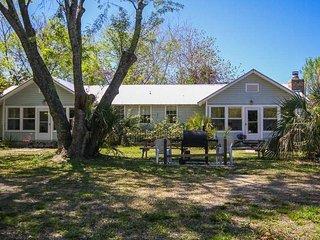 Island Hideaway B - Tybee Island vacation rentals