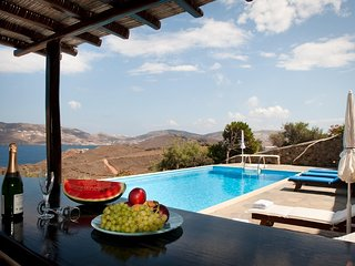 Spacious 5 bedroom Agios Sostis House with Internet Access - Agios Sostis vacation rentals