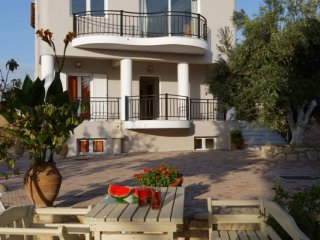 5 bedroom House with Internet Access in Tylissos - Tylissos vacation rentals