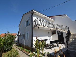 Nice 2 bedroom Vacation Rental in Malinska - Malinska vacation rentals