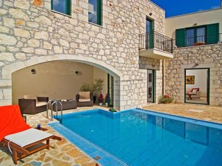 2 bedroom House with Internet Access in Alikampos - Alikampos vacation rentals