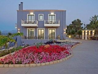 2 bedroom House with Internet Access in Adelianos Kambos - Adelianos Kambos vacation rentals