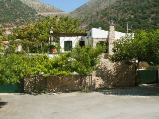 6 bedroom House with Internet Access in Milopotamos - Milopotamos vacation rentals