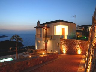 Bright House with Internet Access and A/C - Milopotamos vacation rentals