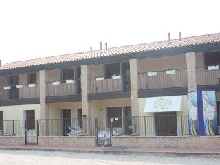 Apartments Le Zagare - Trilocale Giglio - Domegliara vacation rentals