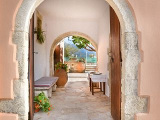 3 bedroom House with Internet Access in Exopoli - Exopoli vacation rentals