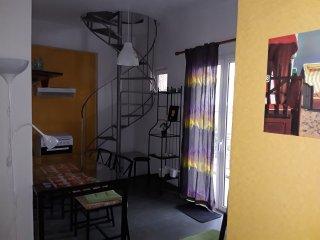 Bright 1 bedroom Condo in Kylini - Kylini vacation rentals