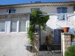 location maisonnette Juillet et Août - Le Pontet vacation rentals