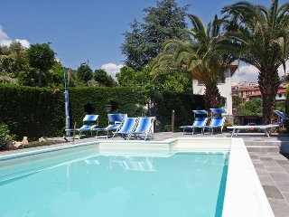 Grande bel alloggio con piscina,  tra gli ulivi a pochi minuti dalle spiagge - Chiusavecchia vacation rentals
