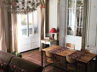 Appartement de caractère - 2/4 Personnes- Le Bal d'Arsène - Aurillac vacation rentals