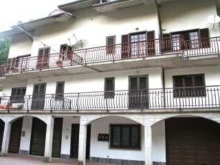 Bright 2 bedroom Frabosa Sottana Condo with Washing Machine - Frabosa Sottana vacation rentals