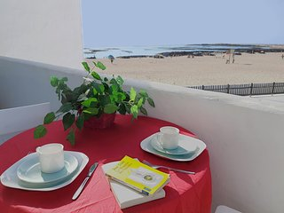 Cozy apartment in front of an amazing beach - La Oliva vacation rentals
