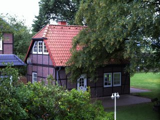 Cozy 2 bedroom Soltau House with Deck - Soltau vacation rentals