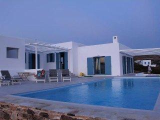 5 bedroom Villa with Washing Machine in Agios Georgios - Agios Georgios vacation rentals