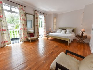 Chateau Elysium - Deluxe suite - Mountain view - Beau Vallon vacation rentals