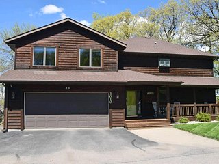 Nice House with A/C and Parking - Prior Lake vacation rentals