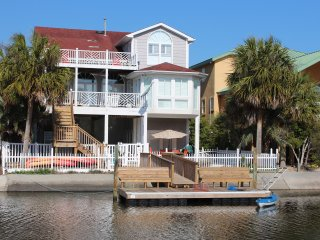 Canal Waterfront-6BR-Golf Cart,Kayak,Pool-37Moore - Ocean Isle Beach vacation rentals