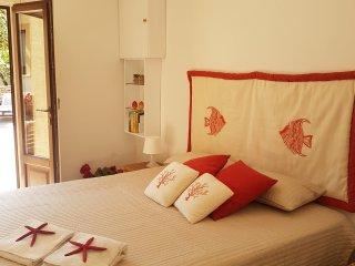 Villa Corallo - Villetta tra mare e montagna - Bonagia vacation rentals