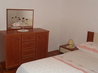 3 bedroom Apartment with Internet Access in Cabrunici - Cabrunici vacation rentals
