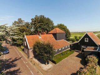 5 bedroom House with Internet Access in Grootschermer - Grootschermer vacation rentals