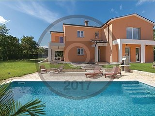 Beautiful Villa with Internet Access and A/C - Vinez vacation rentals