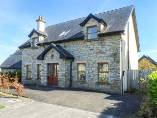 SARTO, detached house, WiFi, ground floor bedroom, all bedrooms en-suite - Cavan vacation rentals