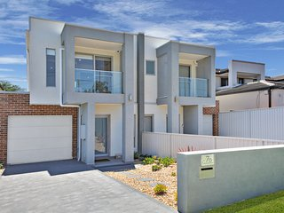 Perfect House with Deck and A/C - Parramatta vacation rentals