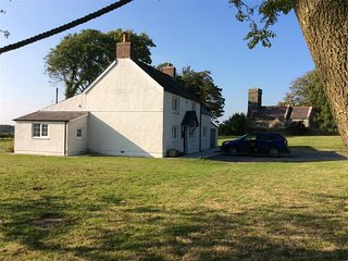 4 bedroom Cottage with Internet Access in Martletwy - Martletwy vacation rentals