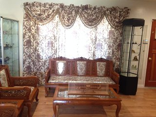 Private bed/bath Near LAX Airport And Beaches with Free WiFi - Gardena vacation rentals