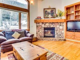 Immaculate and palatial dog-friendly estate in Eagle Vail - close to skiing - Colorado vacation rentals