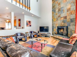 Stunning modern condo on golf course w/ mountain views & shared pool! - Avon vacation rentals