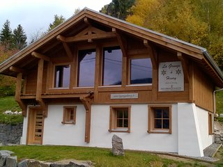Bright 4 bedroom Ventron Chalet with Television - Ventron vacation rentals