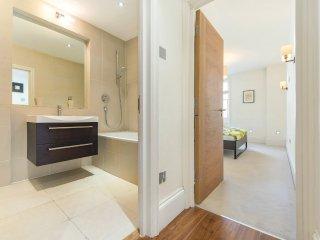2 Bedrooms | 2 Bathrooms| Apartment in Regent's Park/King's Cross | BH9303 - London vacation rentals