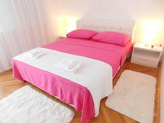 LCT Charming Pink Apartment - Split vacation rentals