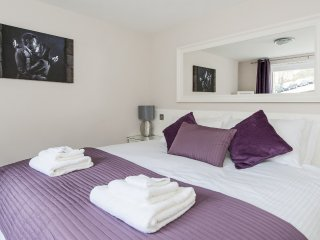 Hedgemead Court, 2 Bed Luxury Apartment 9_4 - Bath vacation rentals