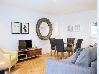 Modern One Bedroom Flat, Queensland Road - London vacation rentals