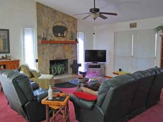 2 bedroom Cabin with A/C in Murphy - Murphy vacation rentals