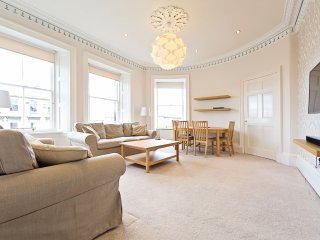 * * * *  CITY Centre  3 BEDROOM Apartment - Edinburgh vacation rentals